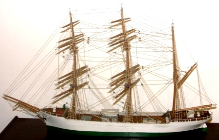 Early 20th century sailor-made block model depicting a 3-masted barque