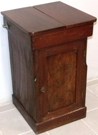 Late 19th Century Mahogany Wash Cabinet With Porcelain Basin